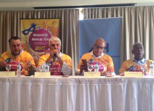 Presidente da ABIH, Alfredo Lopes, Haroldo Costa e equipe. Foto: Divulgação