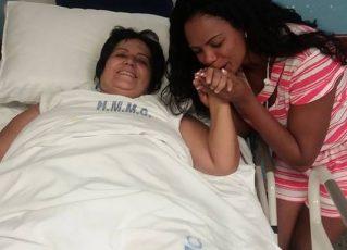 Selminha Sorriso visita Lúcia Mello. Foto: Facebook