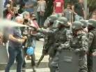 PMs e manifestantes. Foto: Reprodução de TV