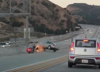 Acidente em rodovia dos Estados Unidos. Foto: Reprodução/Youtube