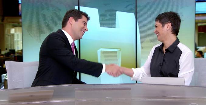 Evaristo Costa se despede de Sandra Annenberg no Jornal Hoje. Foto: Reprodução de TV