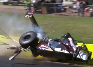 Piloto sobrevive após batida de carro a quase 500 km/h. Foto: Reprodução de Internet