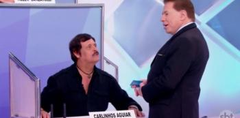 Carlinhos Aguiar e Silvio Santos. Foto: Reprodução de TV