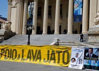 Protesto em frente a Alerj. Foto: Fernando Frazão/Agência Brasil