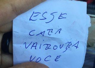 Através de bilhete, homem avisa estudante sobre assalto a ônibus. Foto: Reprodução de Facebook