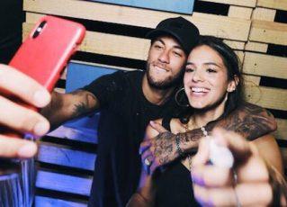 Bruna Marquezine e Neymar em Noronha. Foto: Raul Aragão
