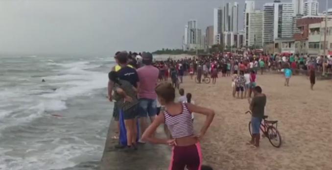 Globocop cai em praia do Recife. Foto: Reprodução de TV
