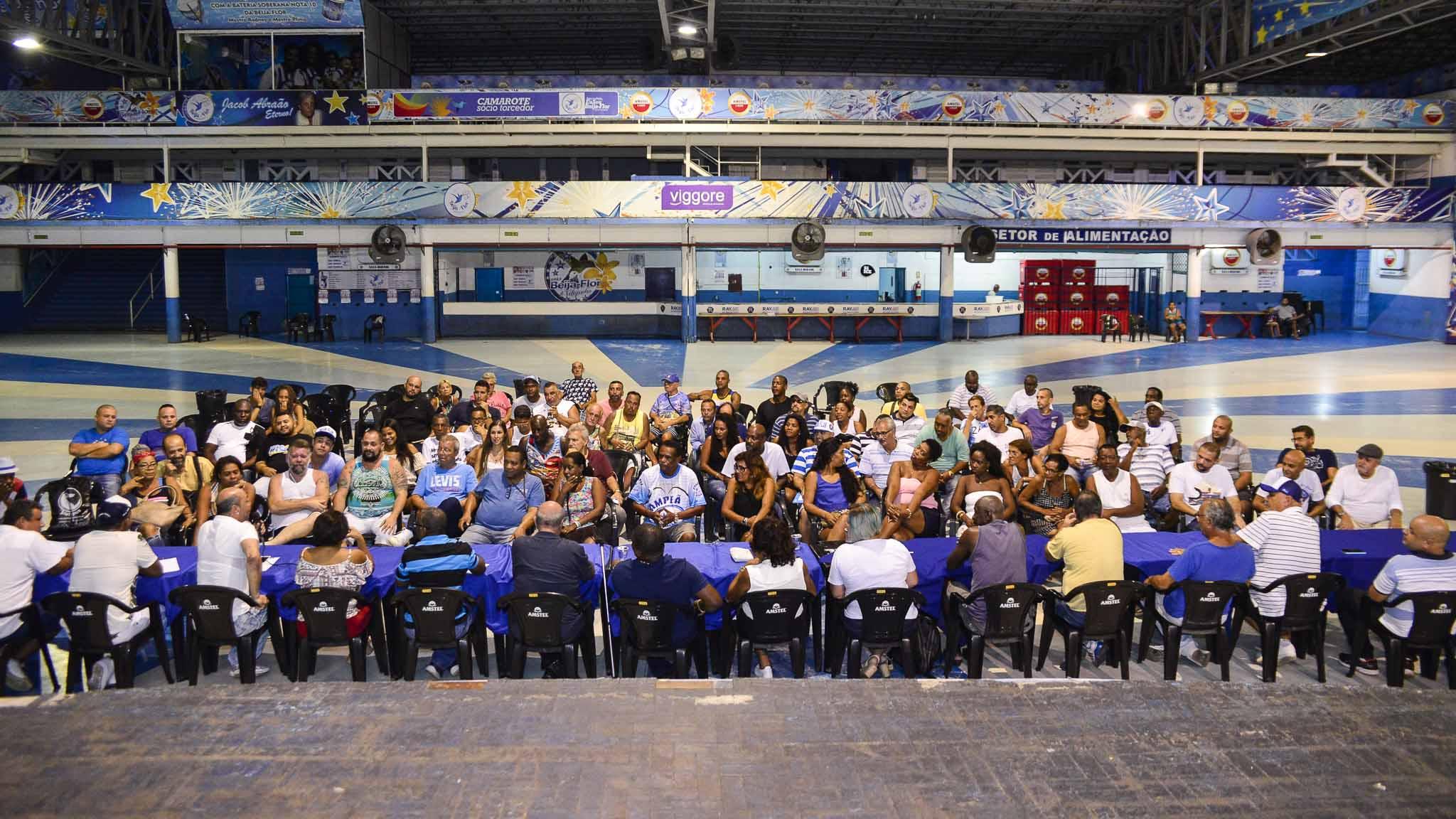 Reunião na quadra da Beija-Flor. Foto: Eduardo Hollanda