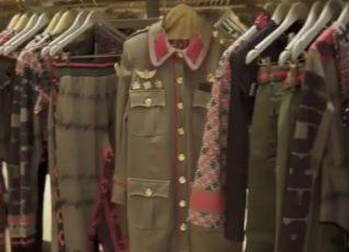 Marca brasileira é acusada de lançar coleção de roupas com símbolos nazistas. Foto: Reprodução de Internet