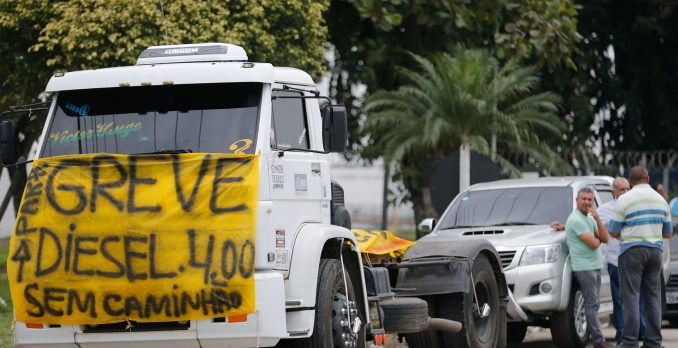 Caminhoneiros fazem protesto. Foto: Fernando Frazão/Agência Brasil