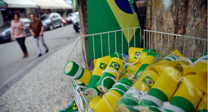 Comércio Popular vende artigos da Copa - Foto - Fernando Frazão - Agência Brasil