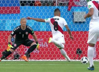 Peru x Dinamarca na Copa 2018. Foto: Reprodução de TV