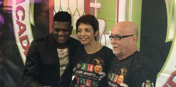 Da esquerda pra direita: intérprete Evandro Malandro e o casal de carnavalescos Márcia Lage e Renato Lage. Foto: SRzd/Max Gomes