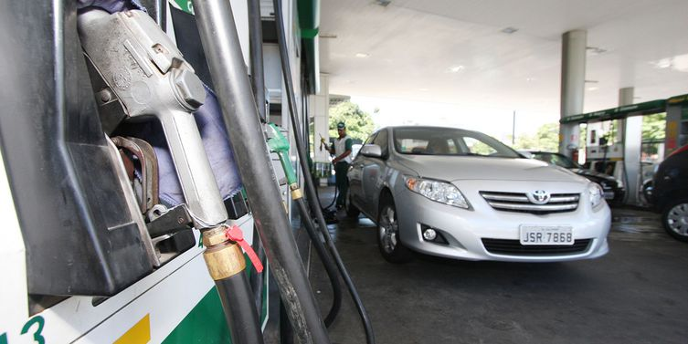 Bomba de gasolina. Foto: Agência Brasil