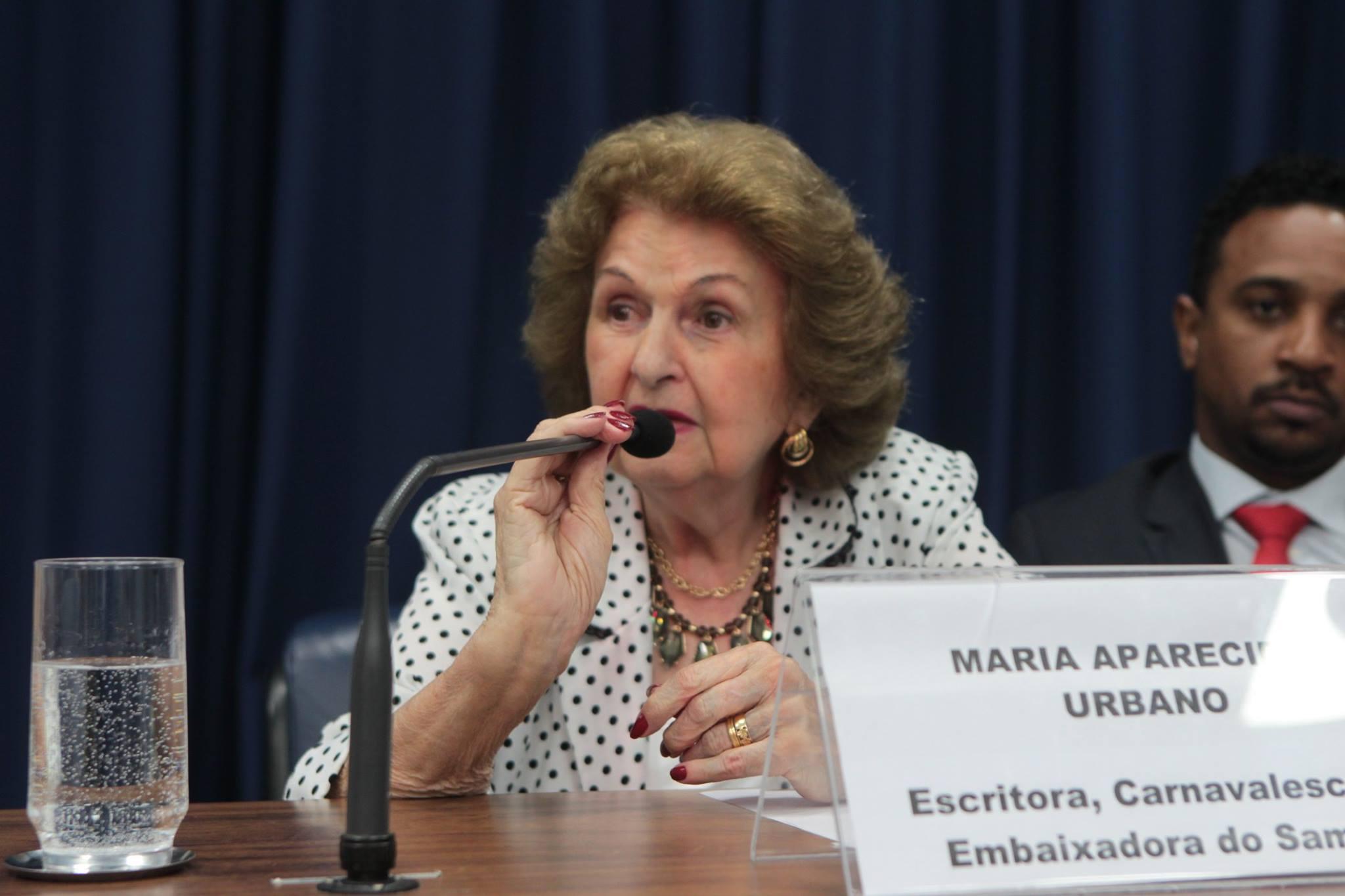 Maria Apparecida Urbano prestigia posse das Imperatrizes do Samba. Foto: Divulgação