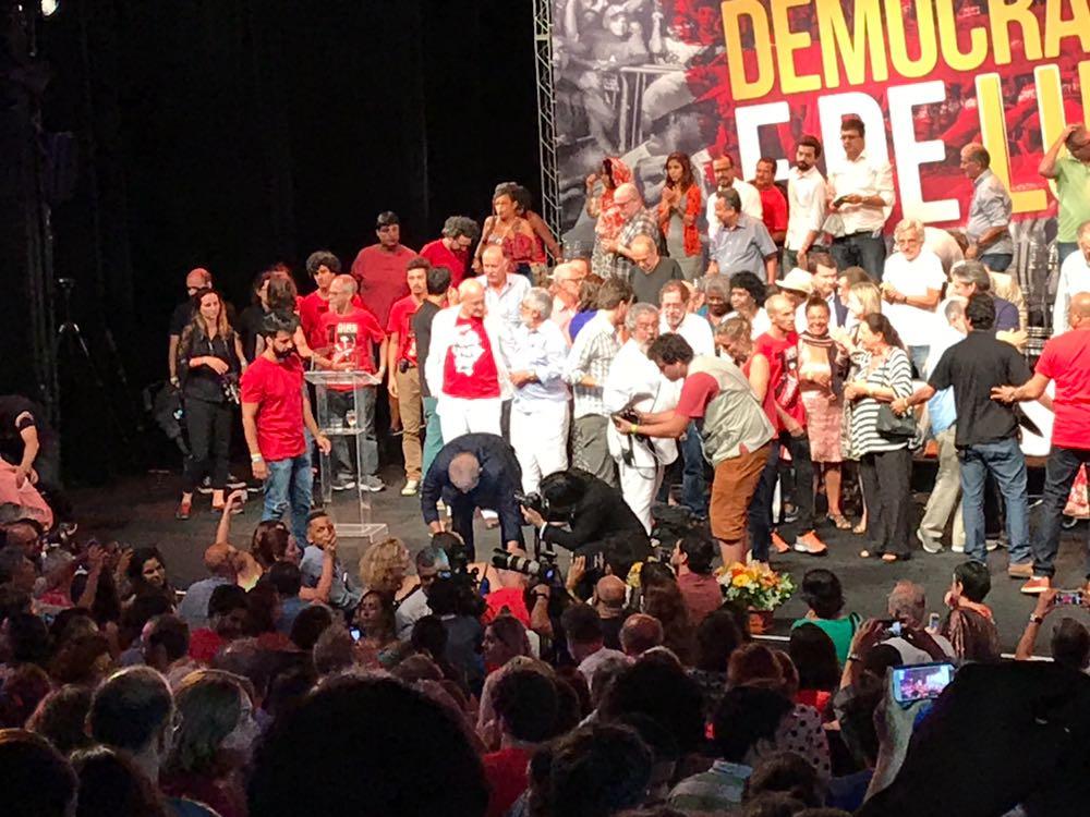 Lula no Teatro Casa Grande. Foto: SRzd