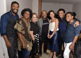 Elenco com Martinho da Vila - Teatro MARTINHO DA VILA 8.0 - Maio 2018 - Foto CG
