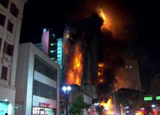 Prédio de 26 andares em chamas desaba no centro de São Paulo. Foto: Reprodução de TV