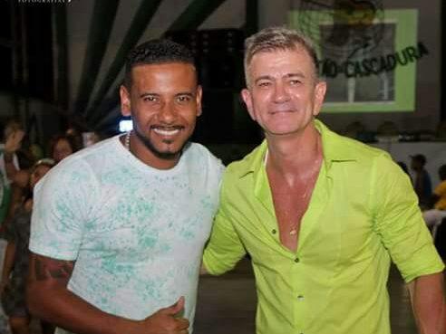 Wando Antunes, a esquerda, e presidente do Arrastão de Cascadura, Armênio Erthal. Foto: Divulgação/Beatriz Nunes