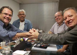 Sidney Rezende e Roberto Juanelli, em primeiro plano e Cláudio Perrout e Robson Aldir