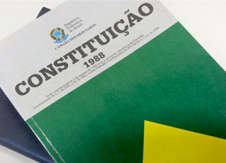 Constituição Brasileira de 1988. Foto: Reprodução da Internet