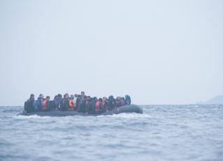Refugiados no mar. Foto: Reprodução