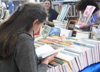 Interesse pelos estudos e pela leitura ajudam o estudante na hora da redação. Foto: Arquivo/Agência Brasil