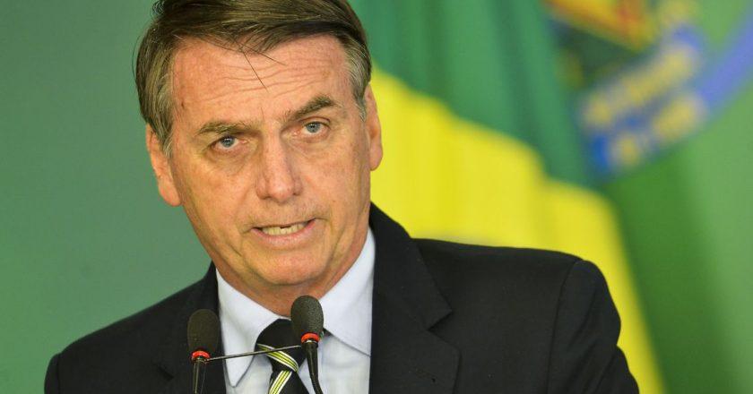 O presidente Jair Bolsonaro durante cerimônia de assinatura do decreto que flexibiliza a posse de armas no país. Foto: Reprodução/Agência Brasil