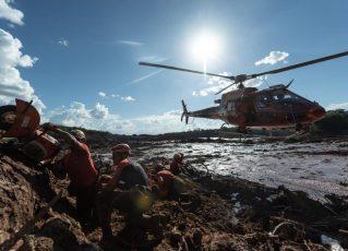 Bombeiros trabalham em Brumadinho. Foto: Israel Defense Forces/Fotos Públicas