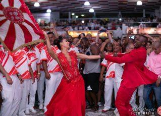 Festa marca retorno de Sidclei e Marcella como primeiro casal de mestre-sala e porta-bandeira do Salgueiro. Foto: Alex Nunes