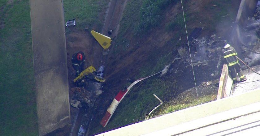 Helicóptero cai na Anhanguera, bate em caminhão e ao menos duas pessoas morrem. Foto: Reprodução de Internet