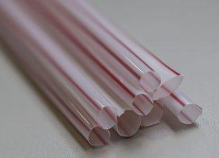 Canudos plásticos. Foto: Reprodução de Internet