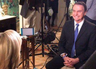 Em entrevista, Bolsonaro se esquivou de polêmicas. Foto: Reprodução/Twitter