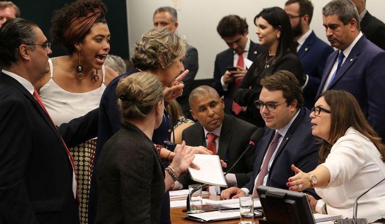 Reunião da Comissão de Constituição e Justiça (CCJ). Foto: Fabio Rodrigues Pozzebom/Agência Brasil