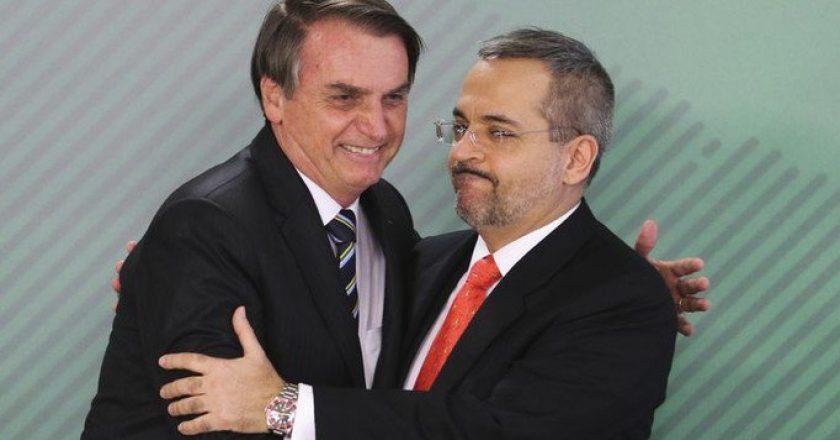 Jair Bolsonaro e o ministro da Educação, Abraham Weintraub. Foto: Walter Campanato/Agência Brasil