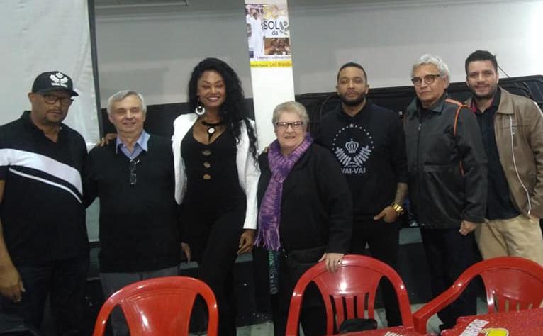 Membros da Vai-Vai em reunião. Foto: Almir Alberto