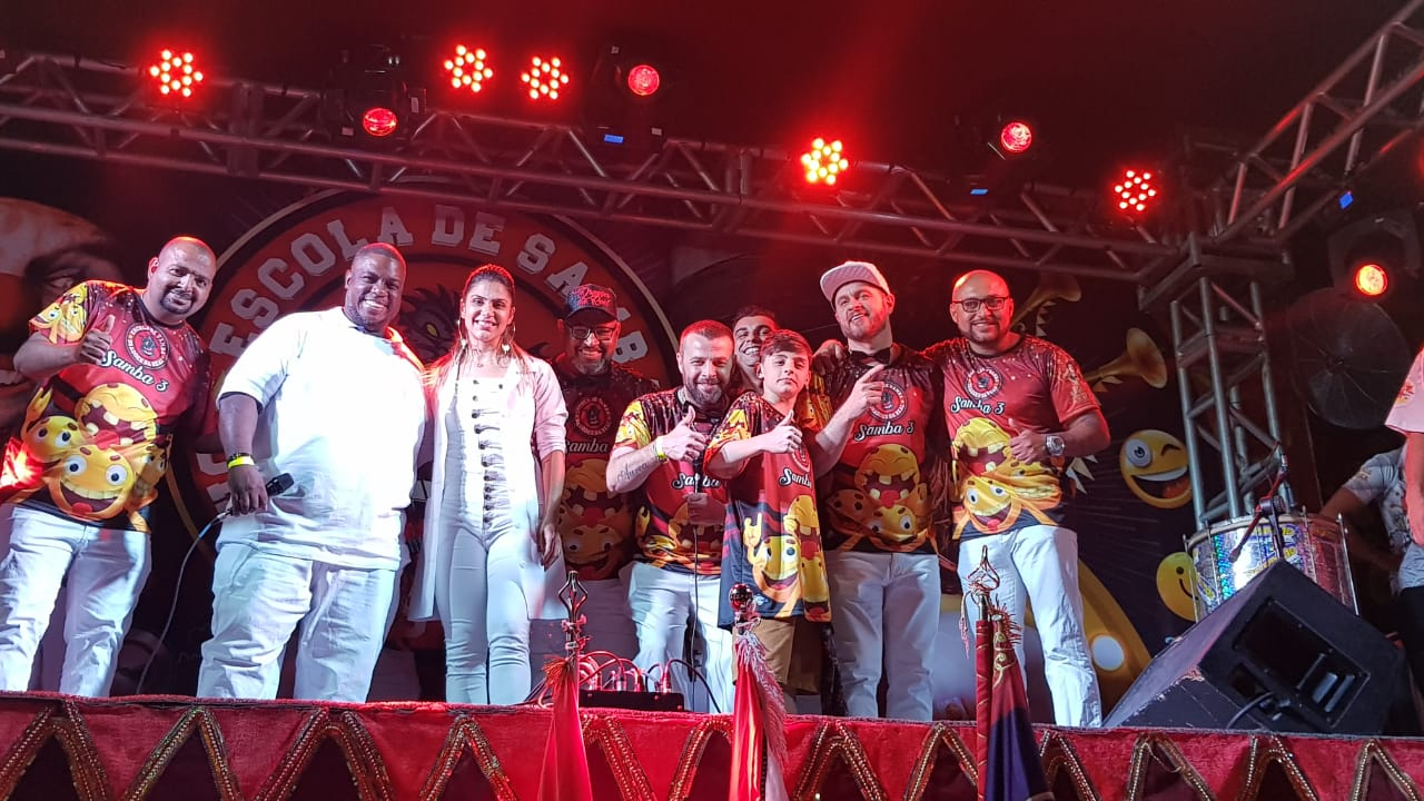 Compositores campeões na Dragões da Real. Foto: SRzd/Guilherme Queiroz
