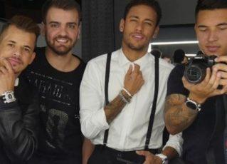 """Neymar ao lado dos """"parças"""". Foto: Reprodução de Internet"""
