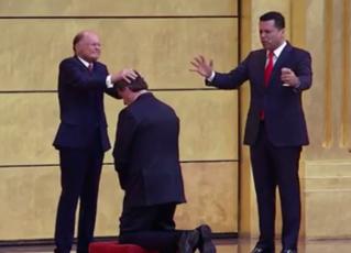 Edir Macedo recebe Jair Bolsonaro no Templo de Salomão. Foto: Reprodução