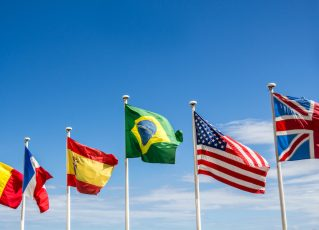 Bandeiras. Foto: iStock| joaoscarceus