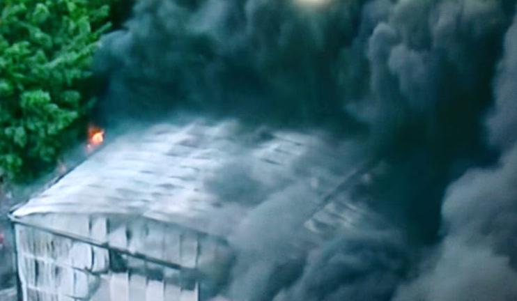 Incêndio atinge barracão da Independente Tricolor em São Paulo. Foto: Reprodução de TV