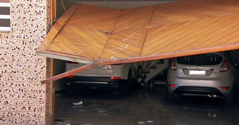 Veículo com o jogador Ralf envolvido em acidente. Foto: Reprodução/TV Globo