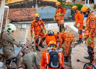 Equipe de resgate trabalha após desabamento de prédio em Fortaleza. Foto: Divulgação/Secretaria da Segurança Pública e Defesa Social do Ceará