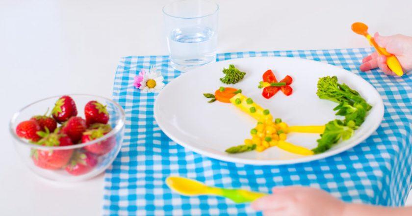 Alimentação infantil. Foto: Reprodução de Internet
