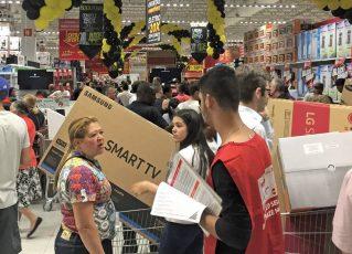 Grandes varejistas promovem 'esquenta'. Foto: Paulo Pinto/Fotos Públicas