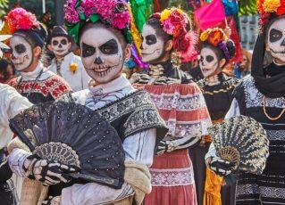Festas mexicanas celebram o luto de forma irreverente em São Paulo. Foto: Divulgação