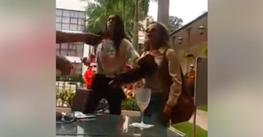 Gleisi Hoffmann e filha de 14 anos são hostilizadas por apoiadores de Bolsonaro no Rio. Foto: Reprodução