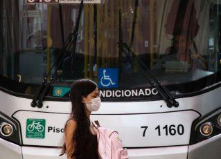 Frota de ônibus em SP será reduzida a partir desta segunda-feira. Foto: Rovena Rosa/Agência Brasil