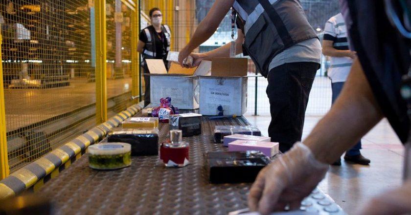 Receita Federal destina bebidas alcoólicas e frascos de perfume para produção de álcool em gel. Foto: Divulgação