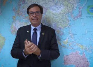 Presidente da Embratur se atrapalha no inglês e vira piada em gravação. Foto: Reprodução de Internet